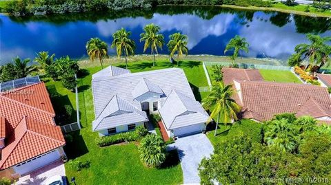 South Florida Fl Houses For Sale With Swimming Pool