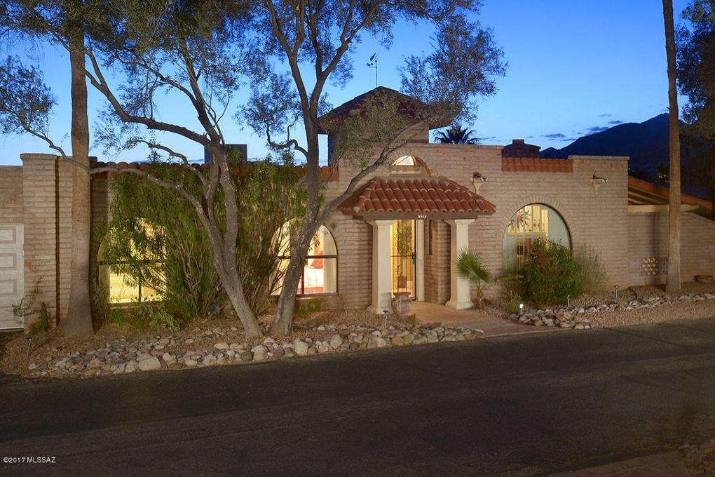 6513 N Green Briar Dr, Tucson, AZ 85718