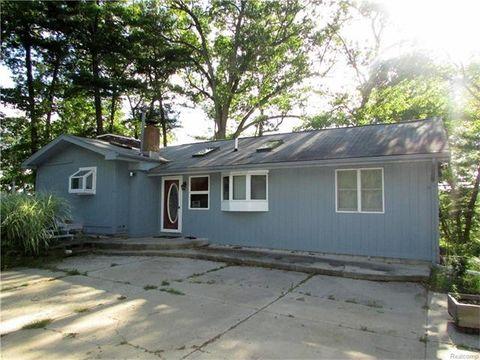 3139 Gilmour Rd, Addison Township, MI 48367