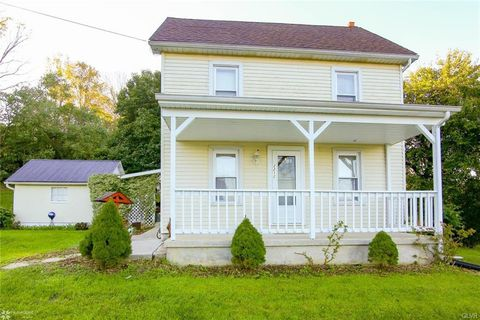 Photo of 2212 Silver Creek Rd, Lower Saucon Township, PA 18055