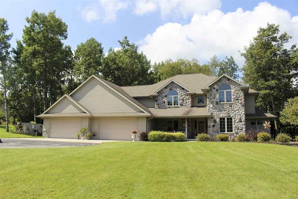 2997 St Pats Dr Suamico WI 54313