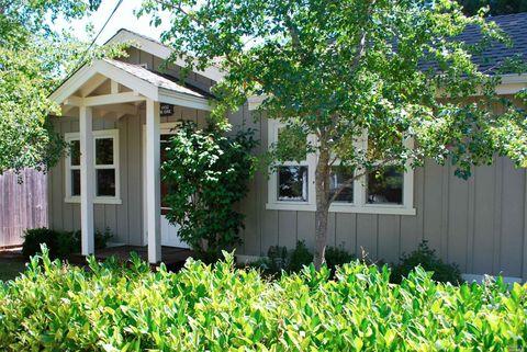 Photo of 1452 N Oak St, Calistoga, CA 94515