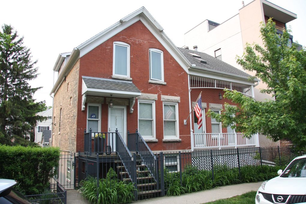 2327 W Lyndale St Chicago, IL 60647
