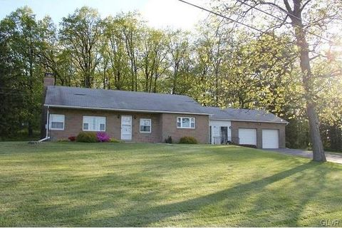 5024 Fairview Rd, North Whitehall Township, PA 18078