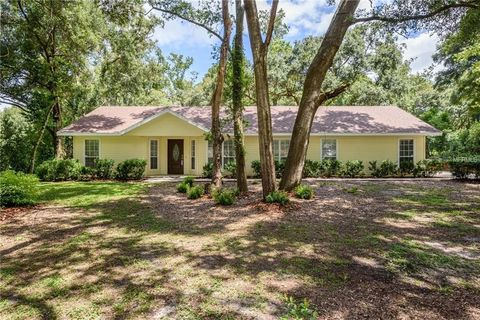 1047 Linmar Ave Fruitland Park FL 34731 House For Sale