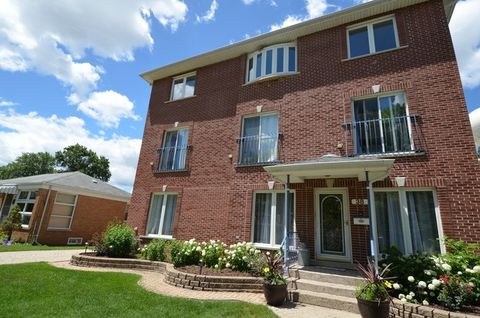 38 Park Ave, River Forest, IL 60305