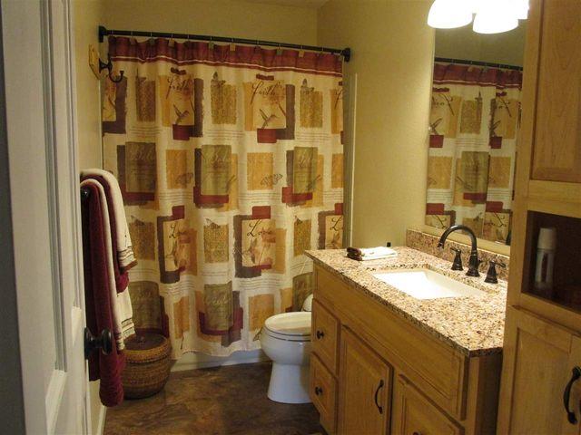 3995 Lucy Ct North Pole Ak 99705 Bathroom