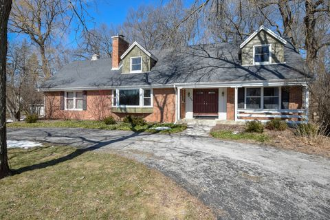 Photo of 530 W Fairfield Ct, Glendale, WI 53217
