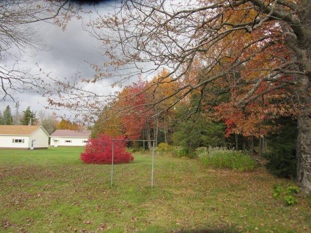 9722 N Graves Rd, Munising, MI 49862 - realtor.com®