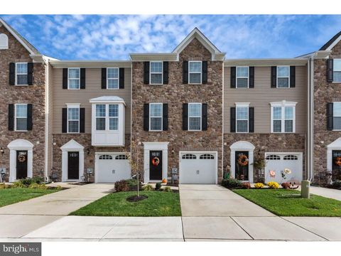 1039 Regency Pl, Sewell, NJ 08080