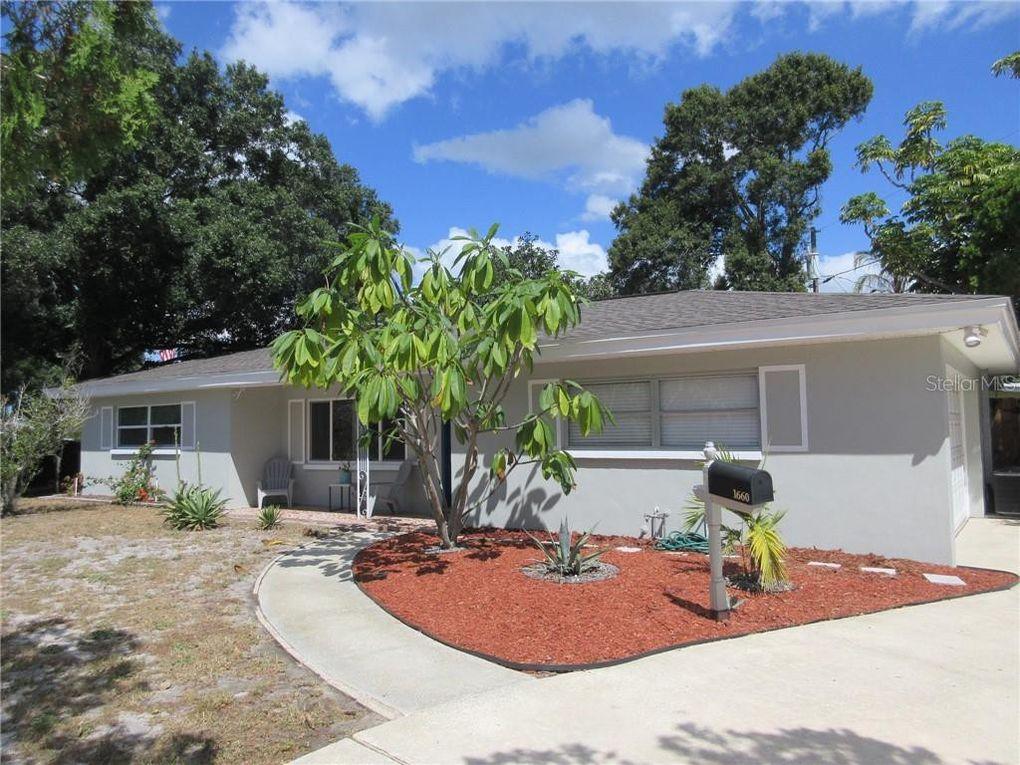1660 Greenlea Dr Clearwater, FL 33755