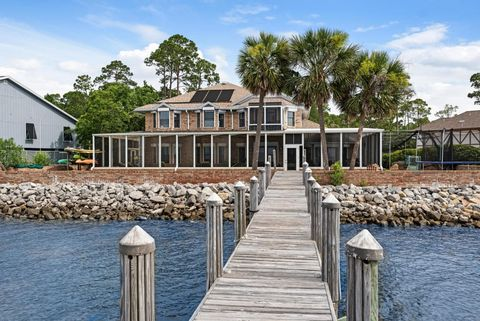 Photo of 130 Dolphin Point Rd, Niceville, FL 32578