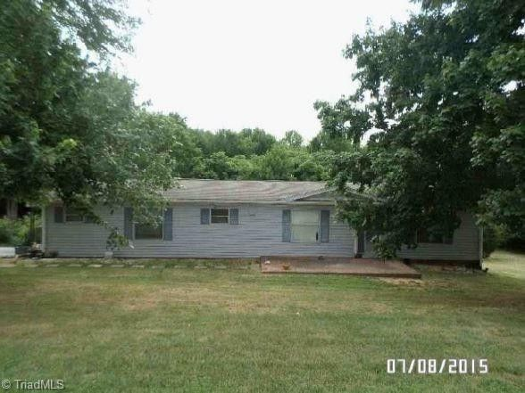 322 Red Oak Dr, Stokesdale, NC 27357