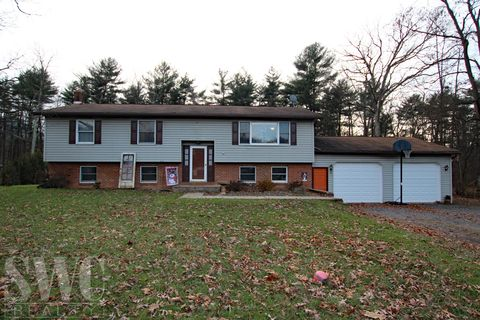 127 E Haven Pines Rd, Mill Hall, PA 17751