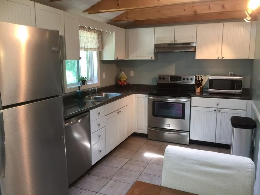 1 Strawberry Rd, Plymouth, MA 02360