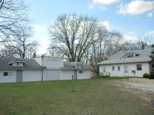 26322 W Grass Lake Rd, Antioch, IL 60002