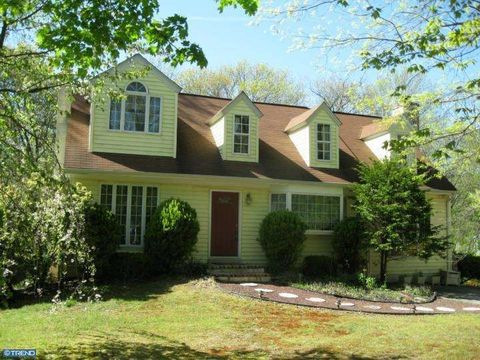 11 Country Ln, Coatesville, PA 19320