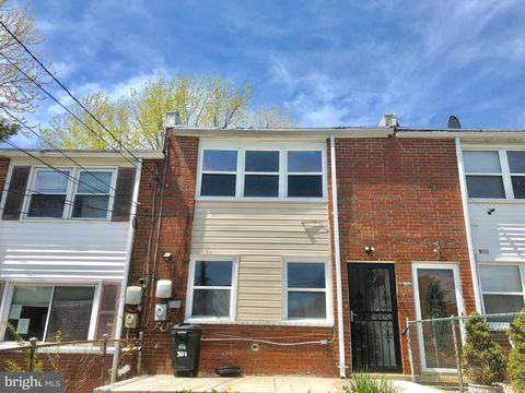 Photo of 501 Carlsbad Ct, Baltimore, MD 21227