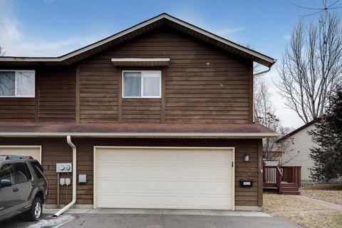 2281 Grange Ave N, Oakdale, MN 55128