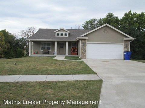 Photo of 1404 Elm Creek Dr, Junction City, KS 66441