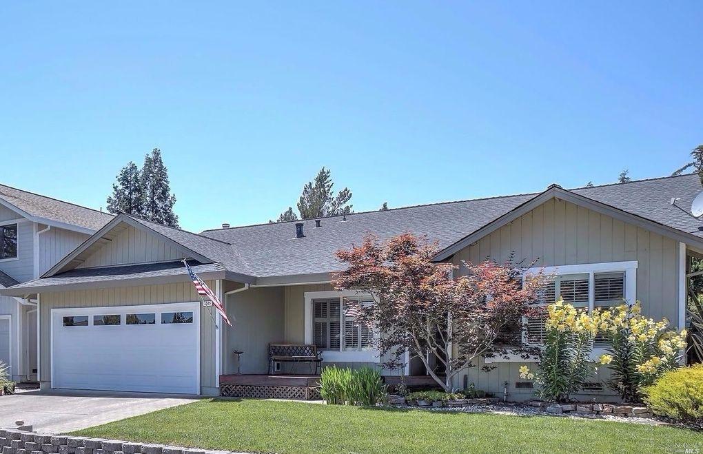 5525 Corbett Cir, Santa Rosa, CA 95403