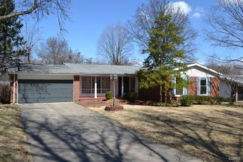 Photo of 3235 Classic Dr, Florissant, MO 63033