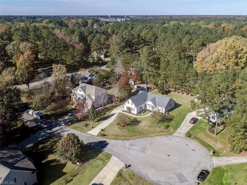 709 Tallwood Cir, Isle of Wight County, VA 23430 - realtor.com®