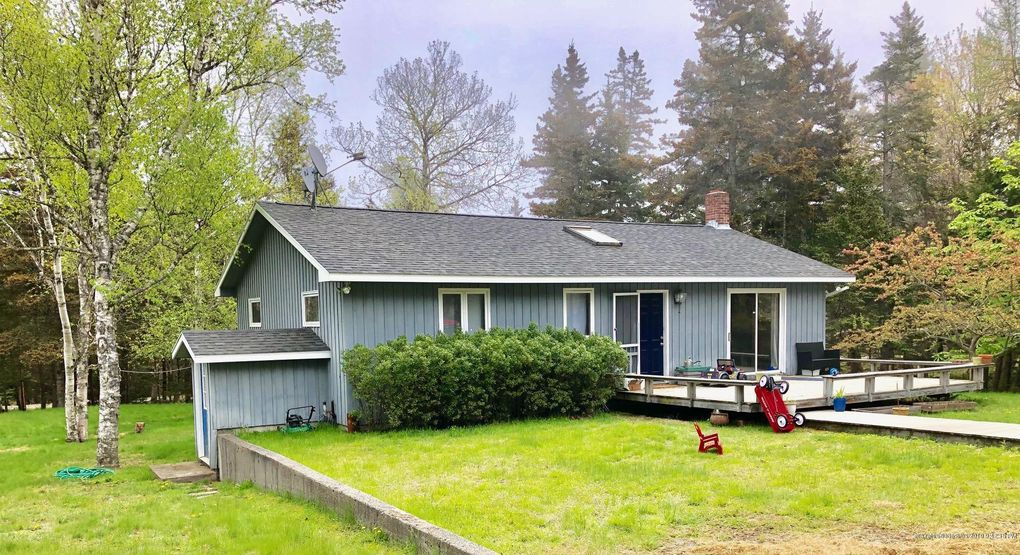 38 Arnold Rd, Tremont, ME 04653