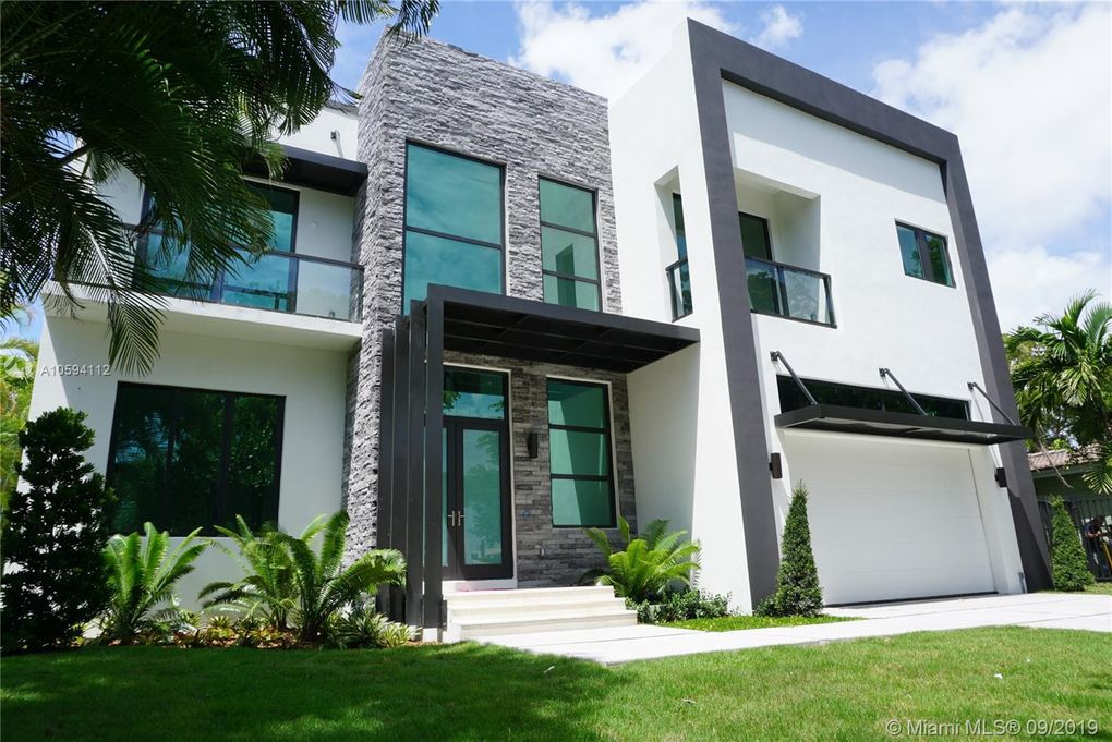 13200 Coronado Ln North Miami, FL 33181