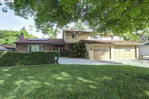 Photo of 3114 Peachwillow Ln, Walnut Creek, CA 94598