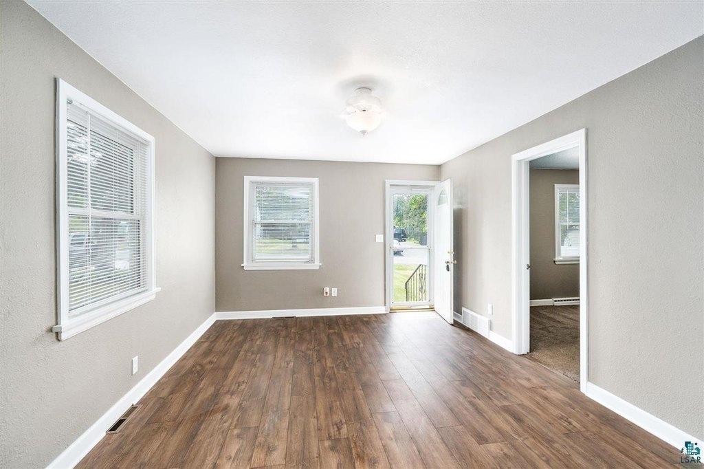 2613 Hagberg St Duluth Mn 55811, Laminate Flooring Duluth Mn