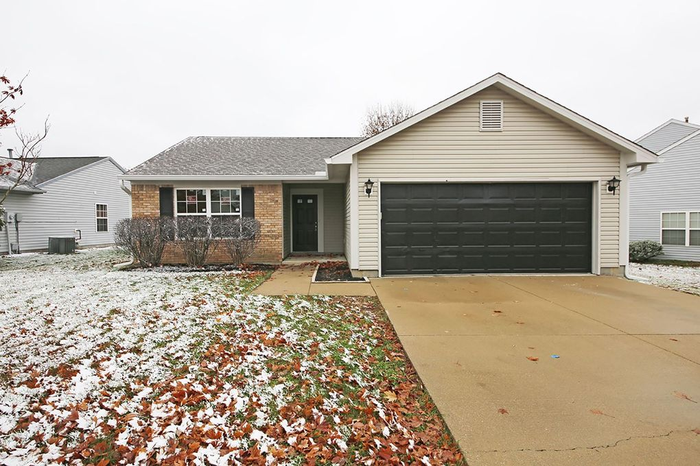5733 W Waterstone Trce, Bloomington, IN 47403