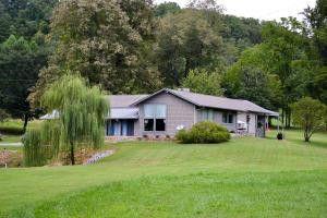 Marvelous Homes For Sale Near Porter Elementary School Maryville Tn Home Interior And Landscaping Spoatsignezvosmurscom