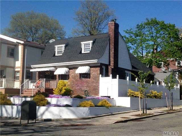 An Unaddressed Bayside NY 11364 Recently Sold Home