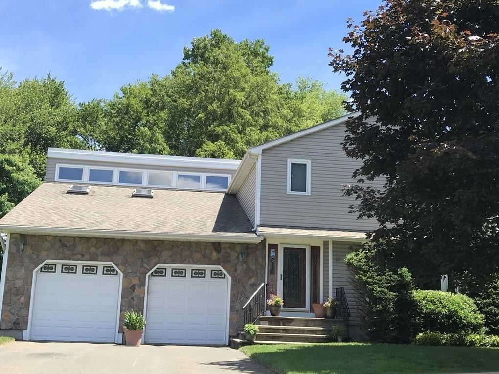 23 Janelle Dr, Agawam, MA 01001