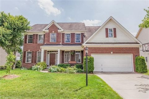 Photo of 11887 Weathered Edge Dr, Fishers, IN 46037