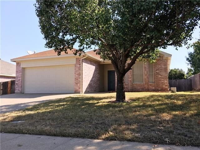 3949 Parkhaven Dr Denton, TX 76210