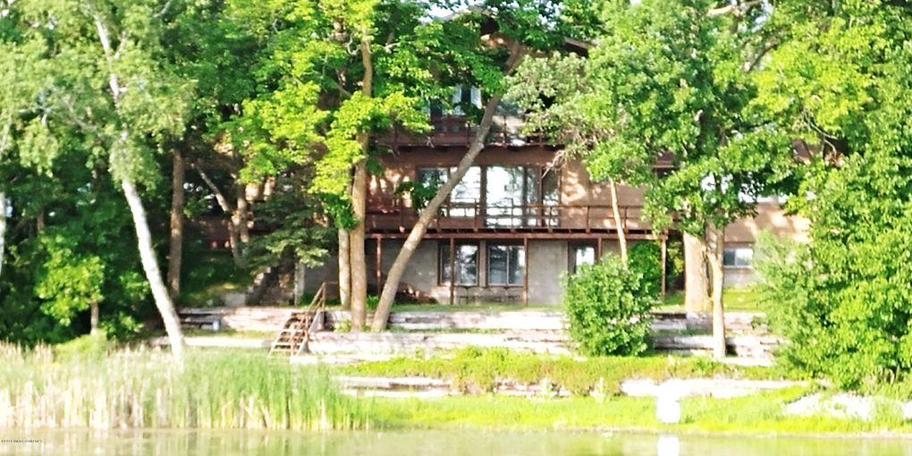 824 Longview Dr, Detroit Lakes, MN 56501