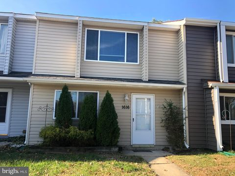 Photo of 1616 Woodtree Ct W, Annapolis, MD 21409