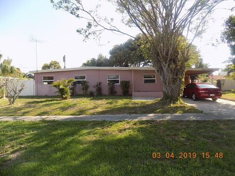 Photo of 1705 Osborne Cir, Lake Worth, FL 33461