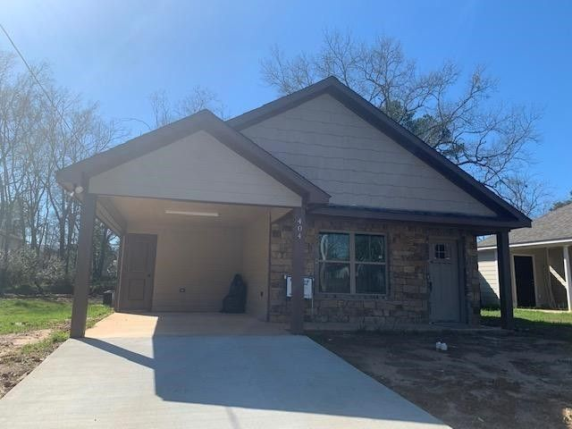 404 E Grand St Longview, TX 75604