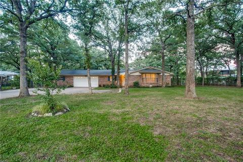 Photo of 6097 Carey Rd, Fort Worth, TX 76140