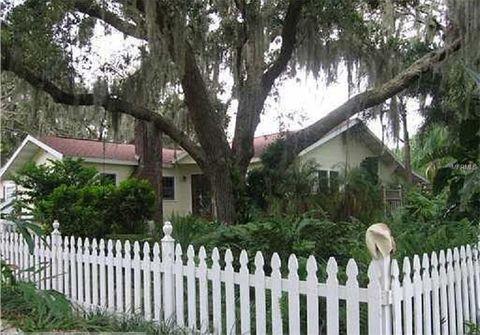 517 Avery Ave, Crystal Beach, FL 34681