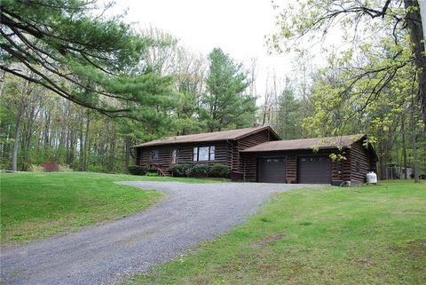 Photo of 1997 Baker Rd, Penn Yan, NY 14527