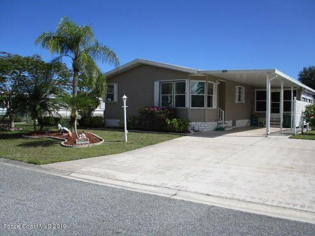 1098 Wren Cir, Barefoot Bay, FL 32976