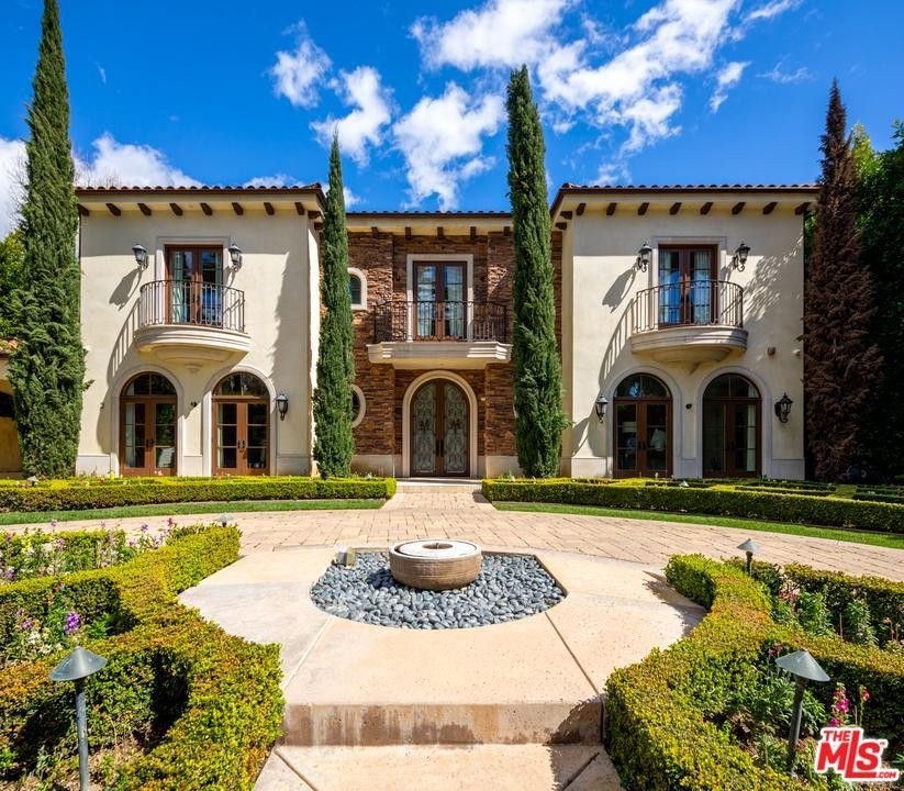 926 N Beverly Dr, Beverly Hills, CA 90210