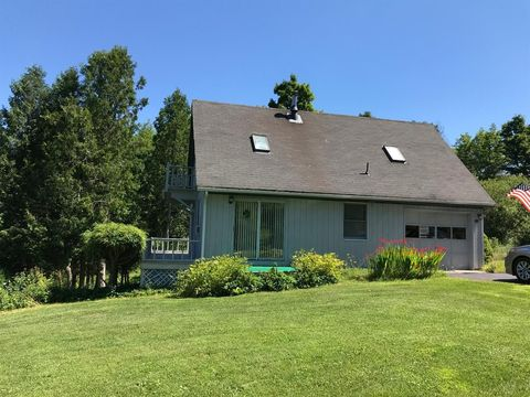 149 Fiddlers Green Rd, Plainfield, NY 13491