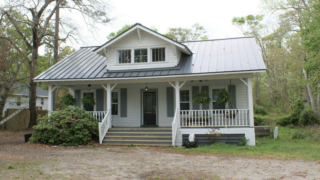 Phenomenal 803 E Leonard St Southport Nc 28461 Home Interior And Landscaping Mentranervesignezvosmurscom