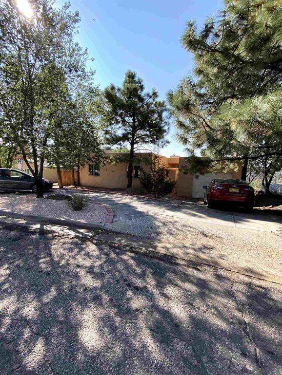 933 Capulin Rd Los Alamos, NM 87544