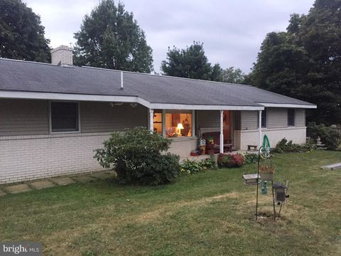Photo of 4 Ferebees Rd, Pine Grove, PA 17963